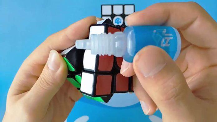 il Cubo di Rubik: Come Lubrificare